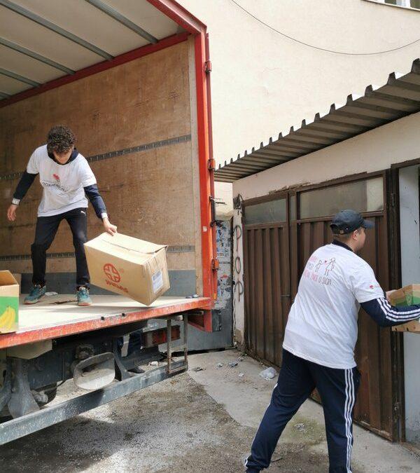 Испорука хуманитарне помоћи Црвеном Крсту